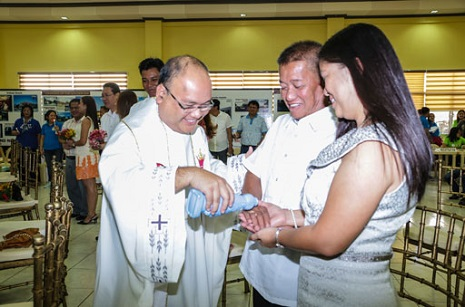 RENEWAL OF MARITAL VOWS ON VALENTINE'S DAY