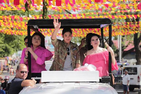 Arenases bring Coco Martin to fans