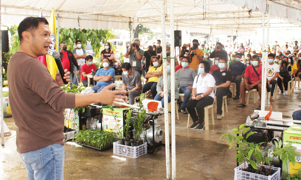 GOV. ESPINO VOWS CONTINUOUS SERVICE OF ABIG PANGASINAN