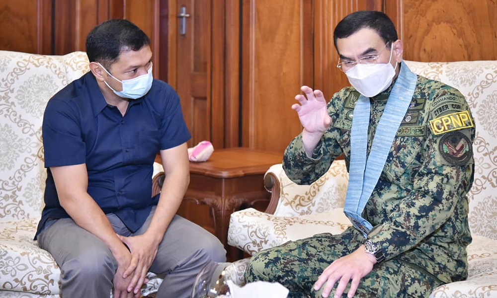 PNP Chief Eleazar allured at P'sinan's beauty