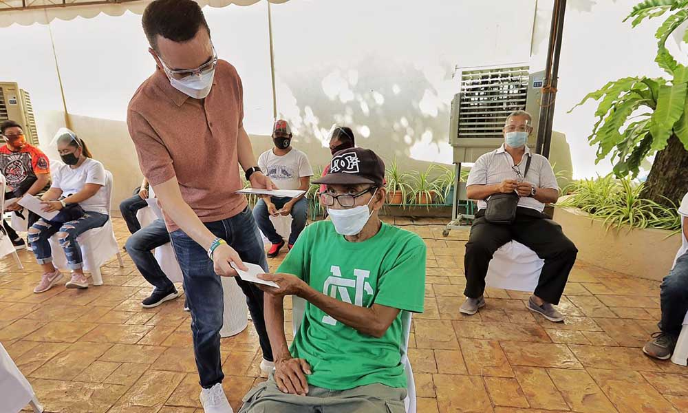 10-K Ayuda program honors barangay health workers